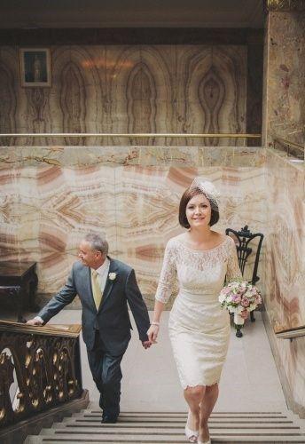 Ongebruikt Ik ben een oudere bruid, wat voor een trouwjurk staat mij goed FY-35